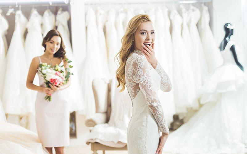 die Hochzeitskleidung